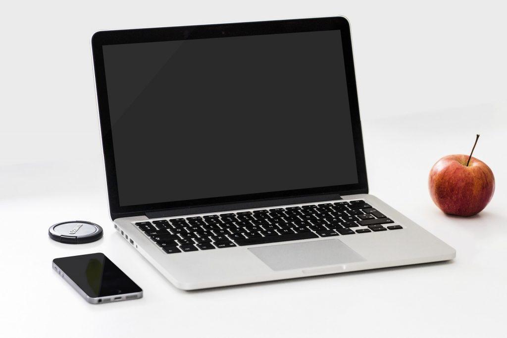 """מדריך לסטודנטים: ייבוא אישי של מחשב נייד מחו""""ל"""
